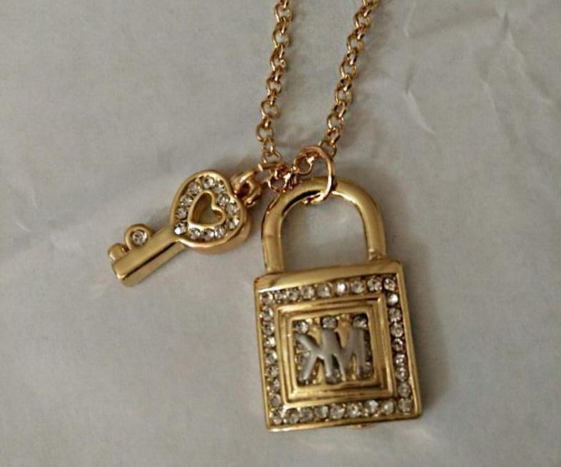 Fashion Women Lady Girl Diamond Key Lock Pendants Chain Neck
